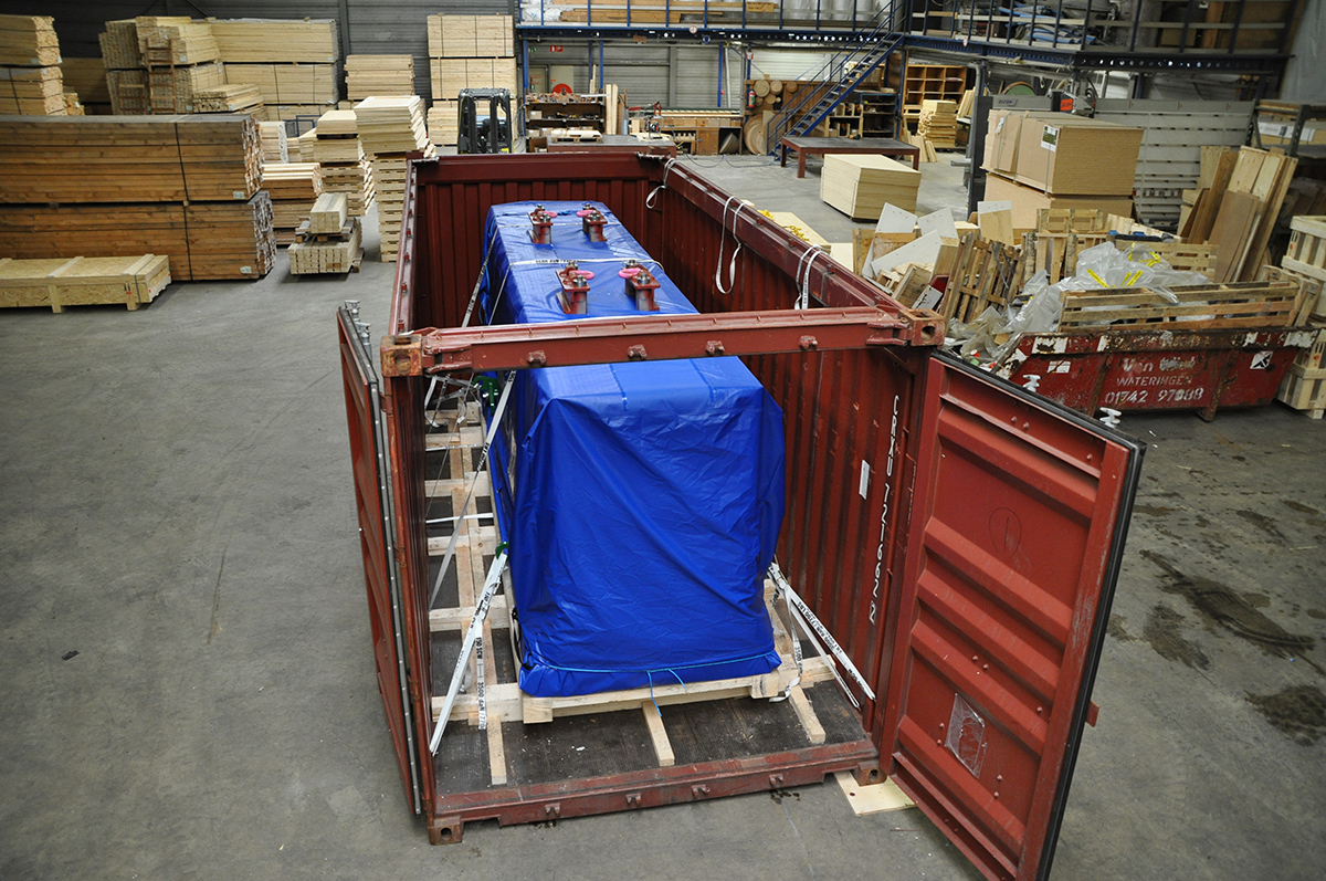 how many metric tons in a 20ft container